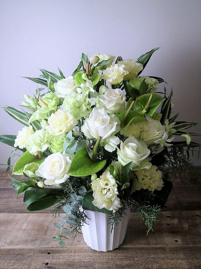 お供え花・お祝い花・誕生日のプレゼント・ビジネスの花