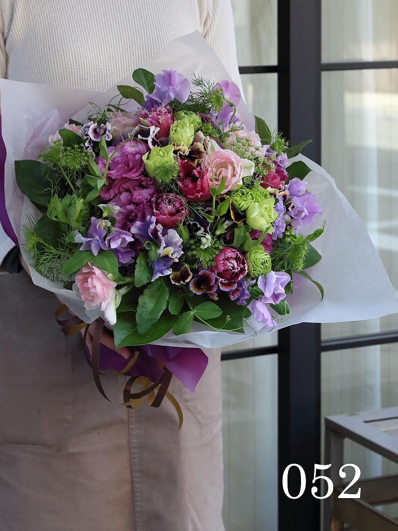 華やかな紫系「ヴィオラ」花束